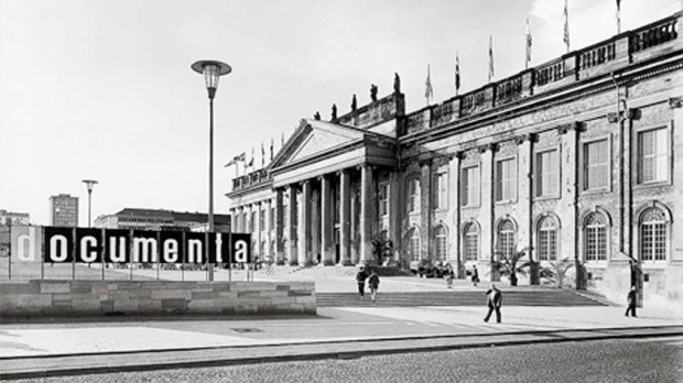Fridericianum, Kassel, during documenta, 1955; photo: Gnther Becker;  documenta Archiv